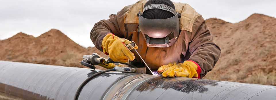 Welder mounts in the trunk pipeline electrochemical protection